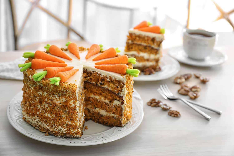 Pastel De Zanahoria Cocina Guru La zanahoria es la hortaliza perteneciente a la familia de las apiáceas de mayor la zanahoria se caracteriza por ser una raíz sabrosa, fibrosa y crujiente cuando está fresca. pastel de zanahoria cocina guru